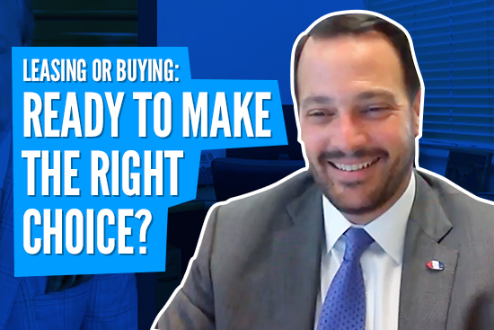 LEASING OR BUYING: READY TO MAKE THE RIGHT CHOICE? Picture of smiling sales manager