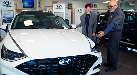 Bentley Hyundai Sales with Customer
