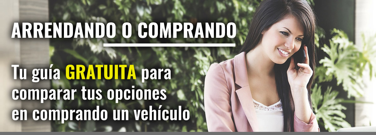 ARRENDANDO O COMPRANDO – Tu guia GRATUITA para comparar tus opciones en comprando un vehiculo – mujeres en el teléfono celular