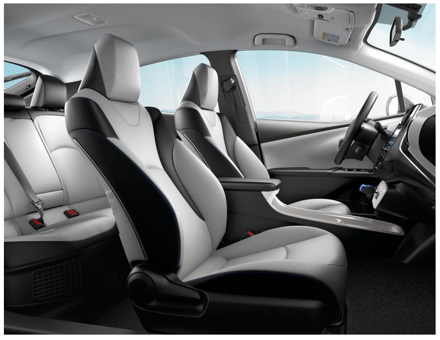 2016 Prius Interior Convenience
